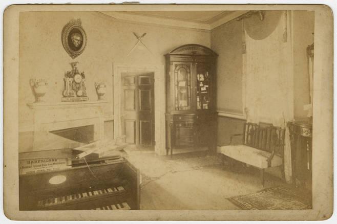 music-room-1902